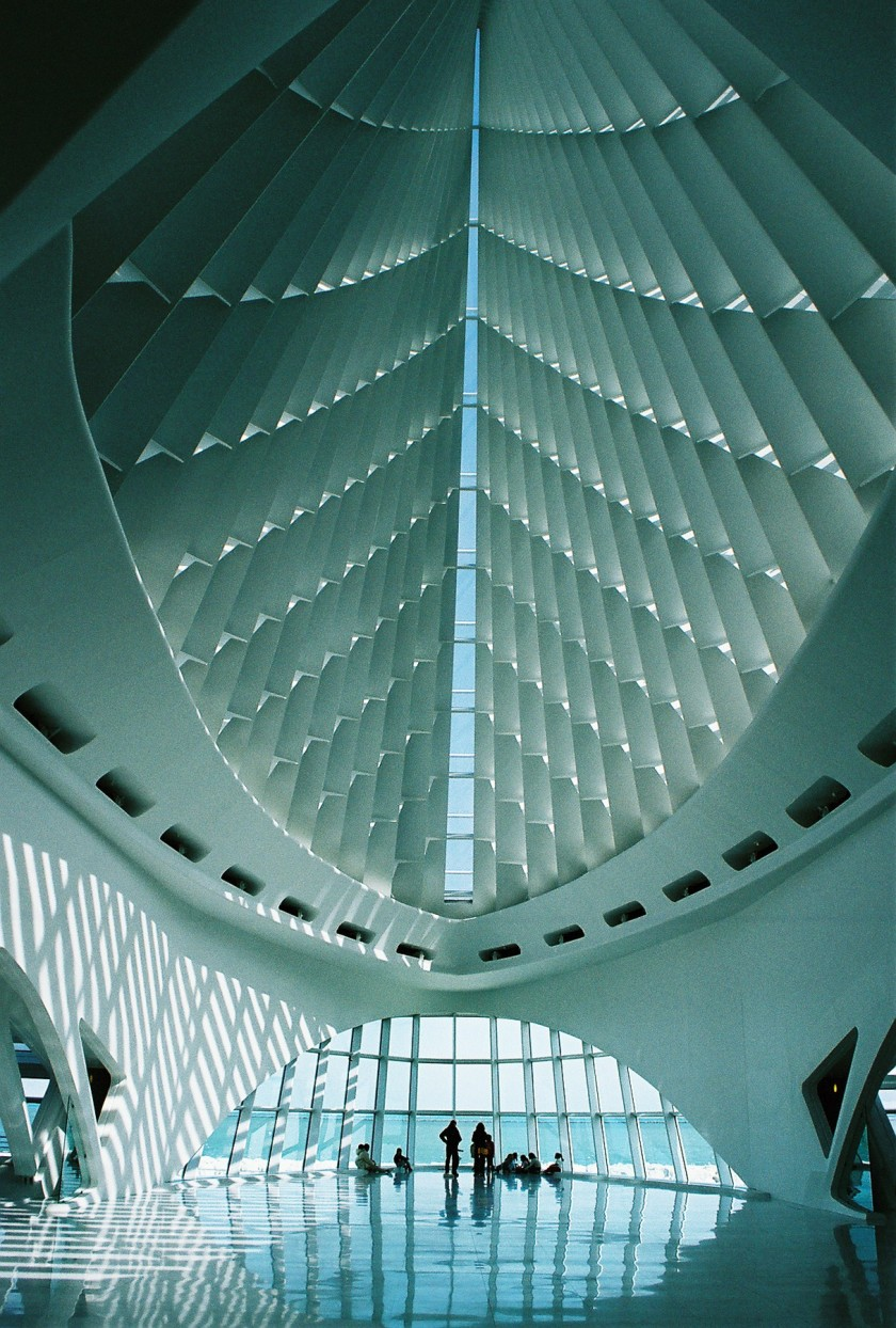Interior_Milwaukee_Art_Museum.jpg